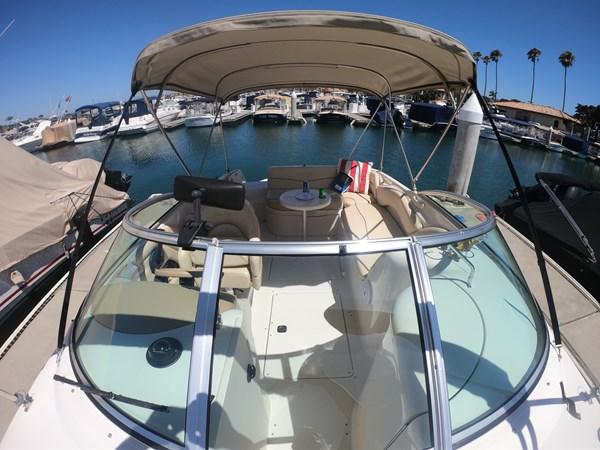 Cockpit Facing Aft 2001 SEA RAY 240 Sun Deck Deck Boat 2674758