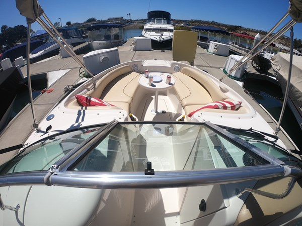 Bow Seating  2001 SEA RAY 240 Sun Deck Deck Boat 2674759