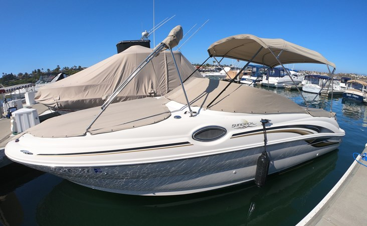 Carefully Covered 2001 SEA RAY 240 Sun Deck Deck Boat 2674767