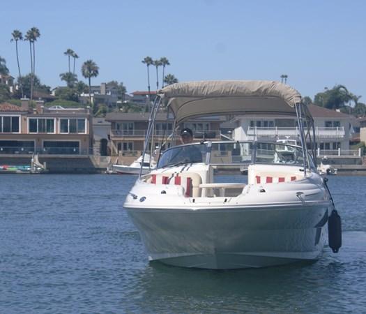 Forward View 2001 SEA RAY 240 Sun Deck Deck Boat 2674779