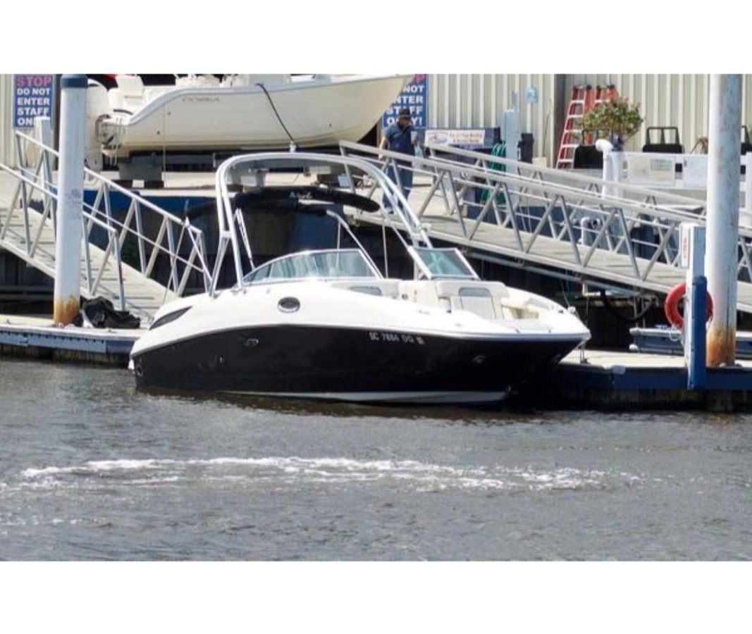27194468_20190824080344850_1_LARGE 2009 SEA RAY 280 Sundeck Deck Boat 2675485