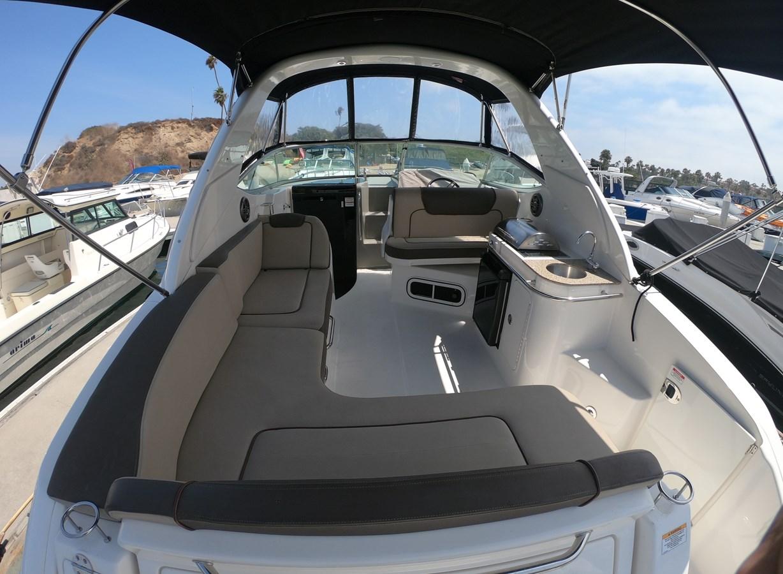 Cockpit Forward 2015 SEA RAY 280 Sundancer Cruiser 2676418