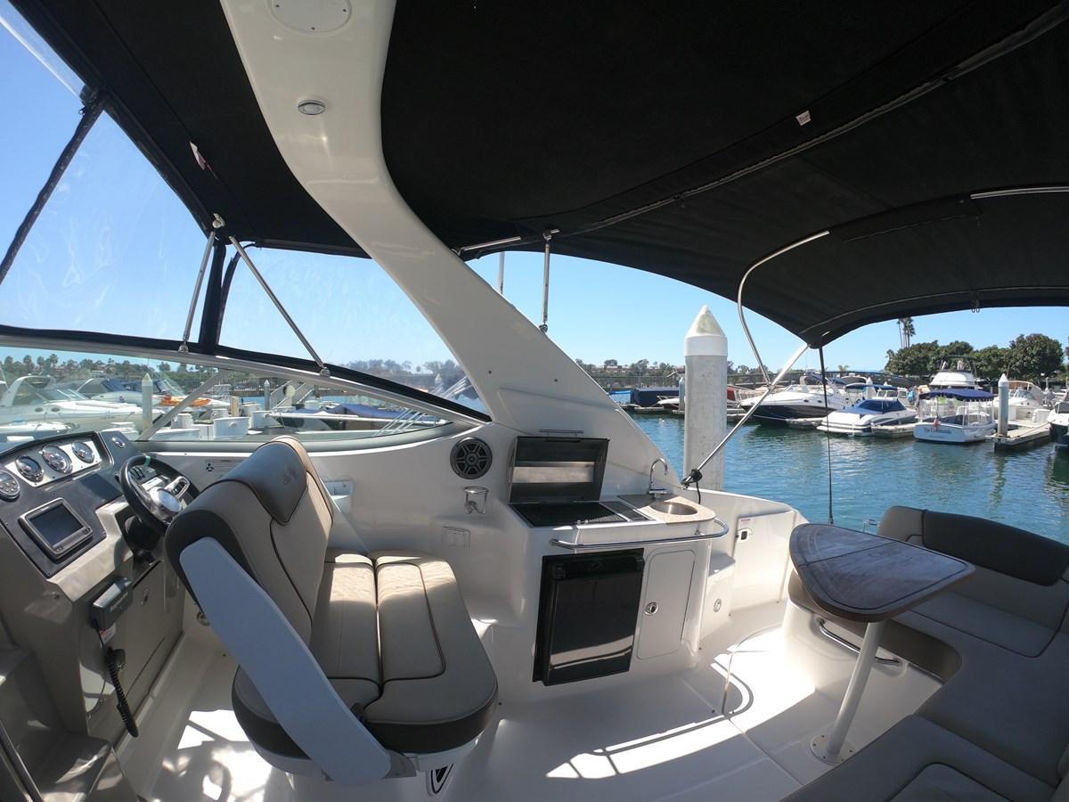 Wet Bar  2015 SEA RAY 280 Sundancer Cruiser 2676422