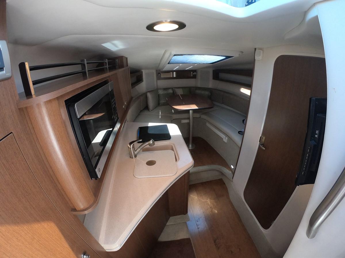 Cabin Interior 2015 SEA RAY 280 Sundancer Cruiser 2676440