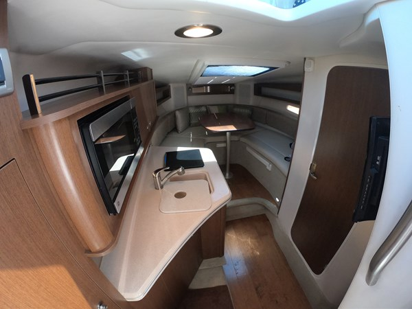 Cabin Interior 2015 SEA RAY 280 Sundancer Cruiser 2676440
