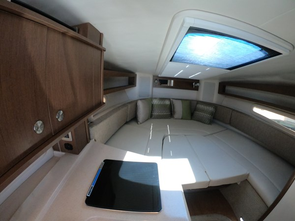 Converted V Berth 2015 SEA RAY 280 Sundancer Cruiser 2676445