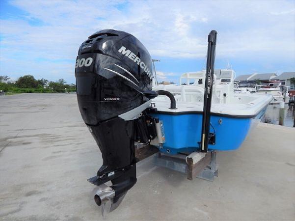 2011 YELLOWFIN 24 Bay Runabout 2676777