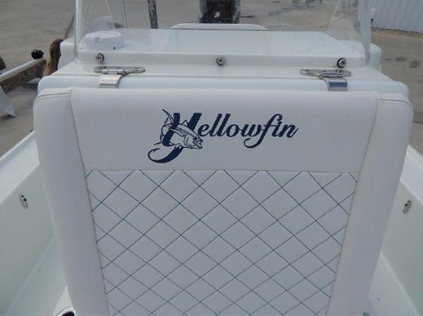 2011 YELLOWFIN 24 Bay Runabout 2676785