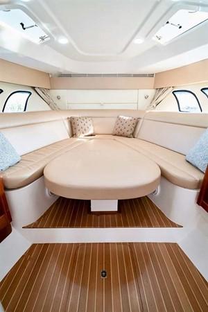 2015 INTREPID 475 Sport Yacht Cruiser 2677735