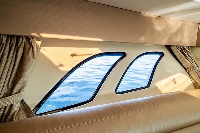 2015 INTREPID 475 Sport Yacht Cruiser 2677736