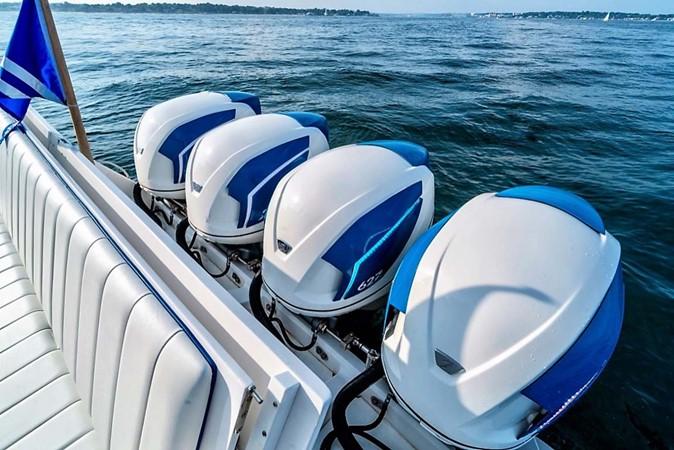 2015 INTREPID 475 Sport Yacht Cruiser 2677748