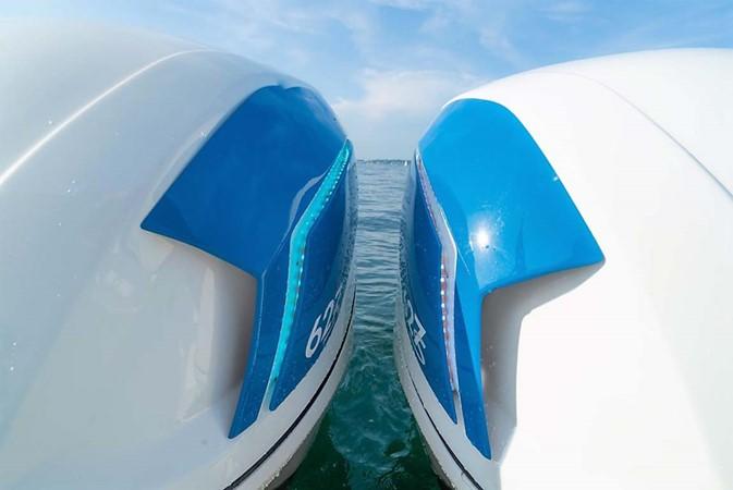 2015 INTREPID 475 Sport Yacht Cruiser 2677749
