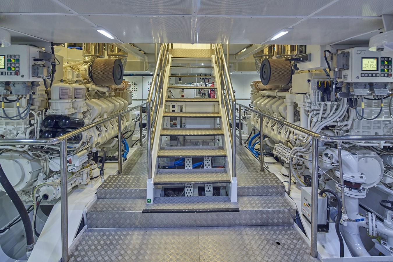 Engineroom 2015 SUNRISE  Mega Yacht 2968896