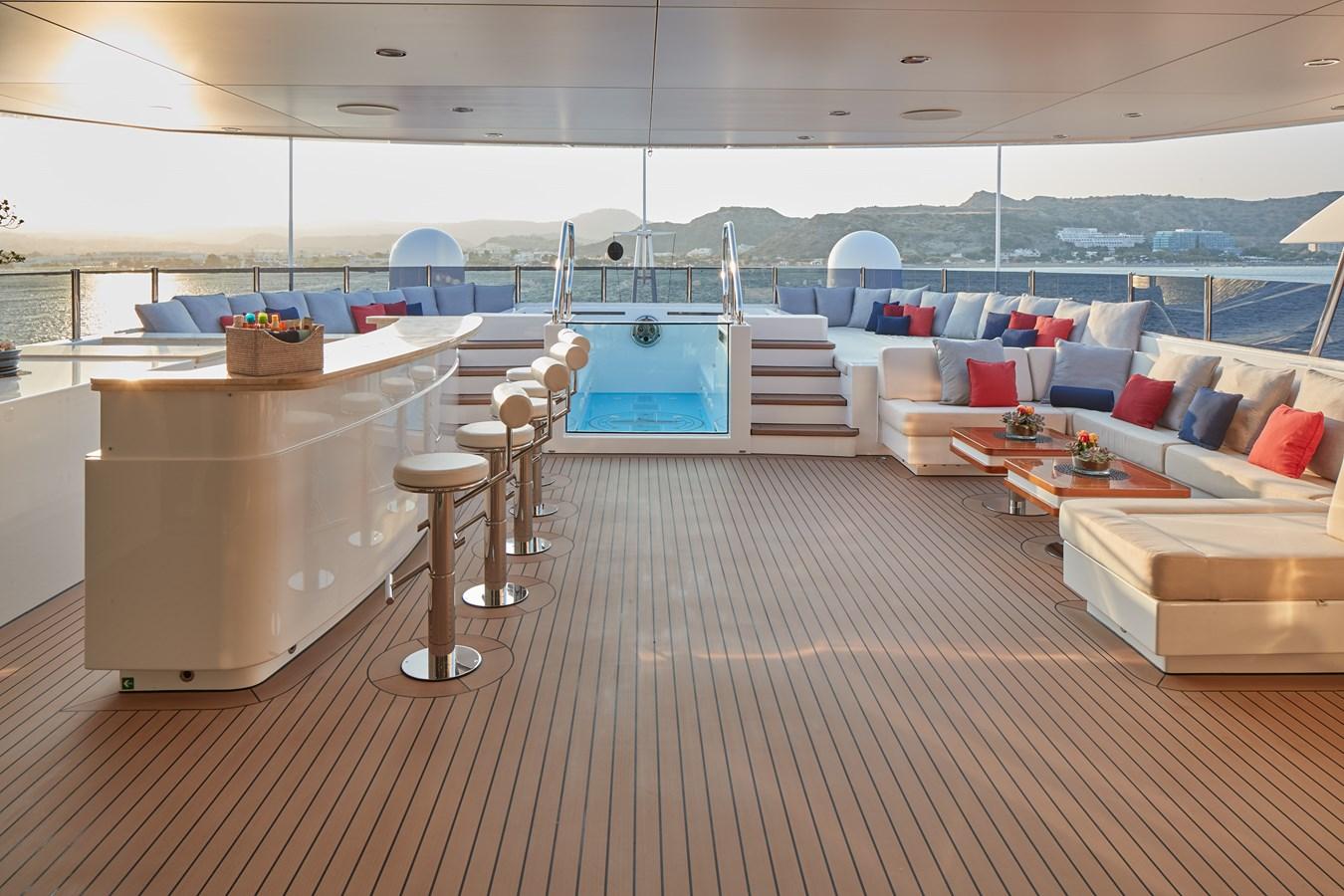 Jacuzzi deck bar 2015 SUNRISE  Mega Yacht 2968905
