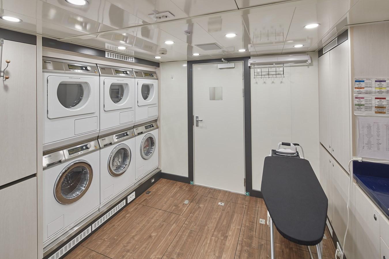 Laundry 2015 SUNRISE  Mega Yacht 2968907