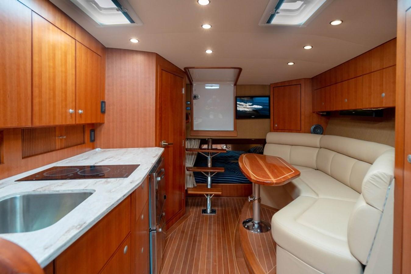 2014 JUPITER  Motor Yacht 2682236