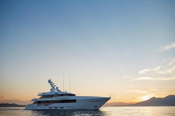 2015 FEADSHIP  Mega Yacht 2680803