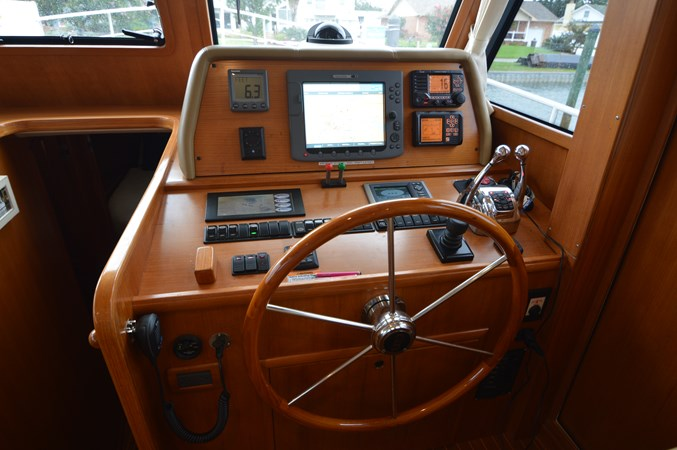 7 2009 GRAND BANKS 41 Europa Motor Yacht 2689026