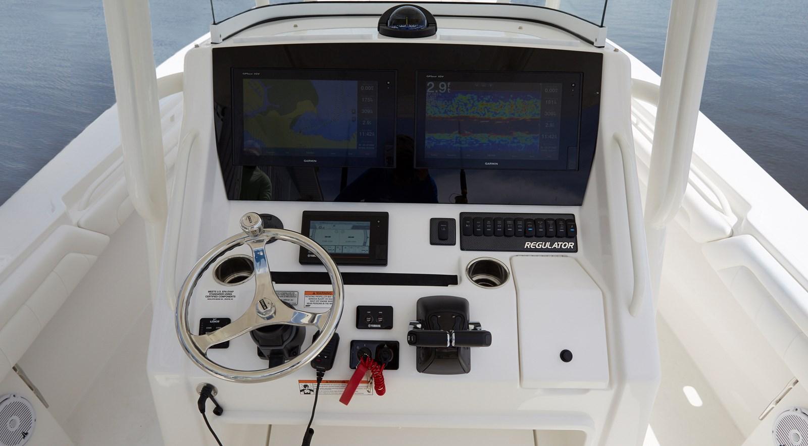 31-regulator-center-console-boat-garmin-electronics-edson - 31 REGULATOR For Sale