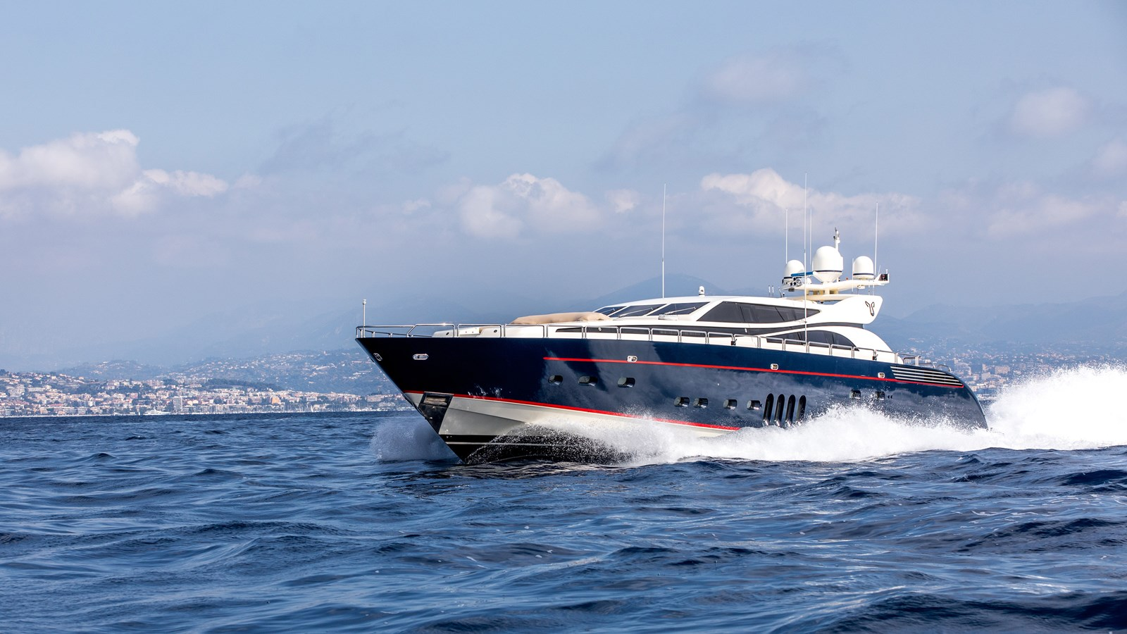Cheeky-Tiger-Luxury-Yacht-22 2004 LEOPARD  Motor Yacht 2726704