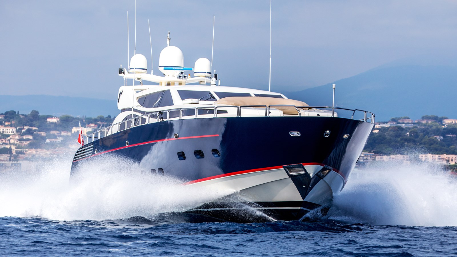 Cheeky-Tiger-Luxury-Yacht-20 2004 LEOPARD  Motor Yacht 2726709