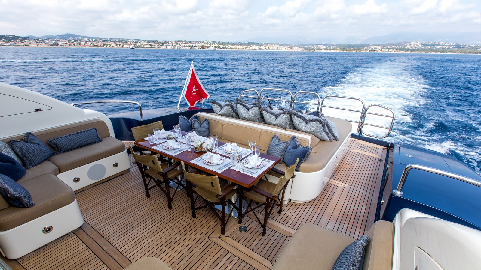 Cheeky-Tiger-Luxury-Yacht-18 2004 LEOPARD  Motor Yacht 2726716