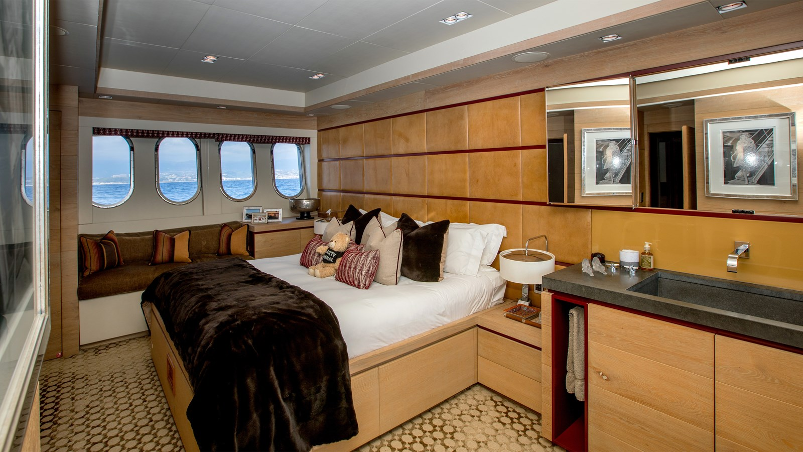 Cheeky-Tiger-Luxury-Yacht-31 2004 LEOPARD  Motor Yacht 2726721
