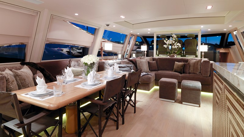 Cheeky-Tiger-Luxury-Yacht-02 2004 LEOPARD  Motor Yacht 2726717