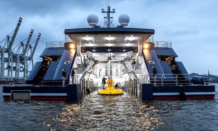 PHOTO JAN SIEG 2 2003 LURSSEN Twin Screw Displacement Yacht Motor Yacht 2701835
