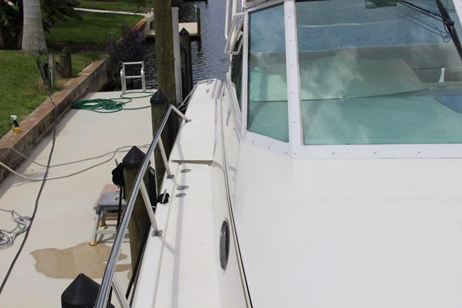 IMG_2840 1996 TIARA 4000 Mid Cabin Express Cruiser 2684123