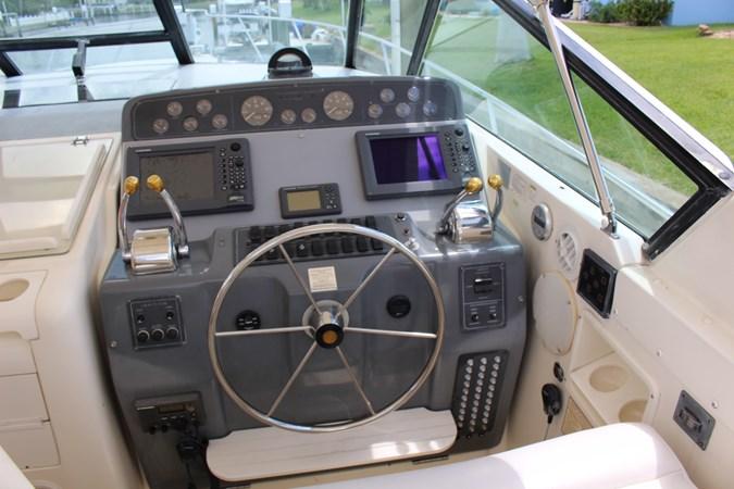 IMG_2844 1996 TIARA 4000 Mid Cabin Express Cruiser 2684127