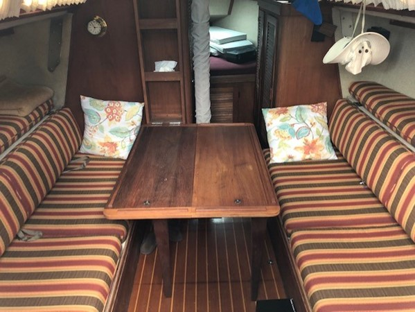1985 S2 YACHTS 9.1 Liberty Cup Edition  Cruising/Racing Sailboat 2684948