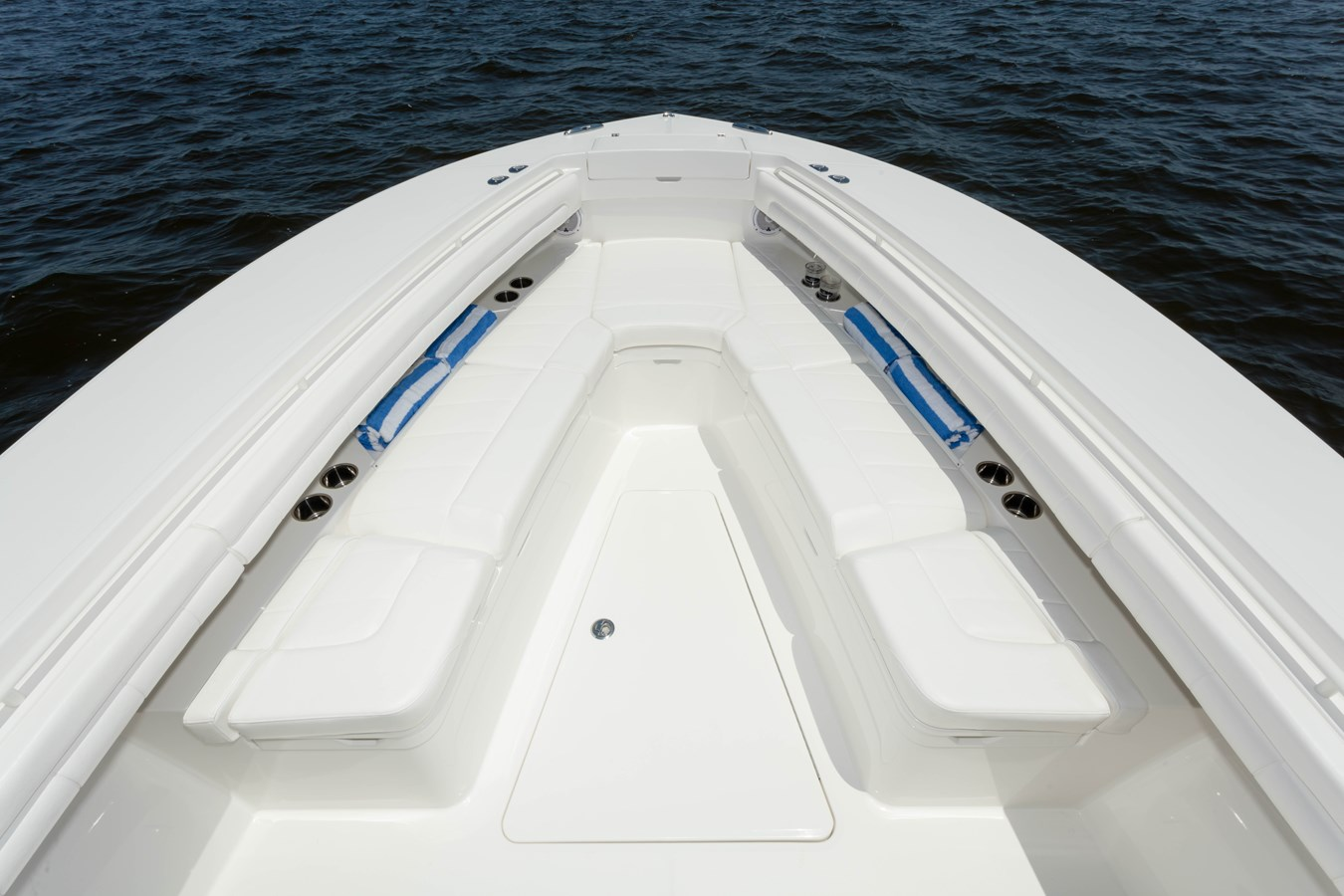 31-regulator-center-console-boat-forward-seat - 31 REGULATOR For Sale
