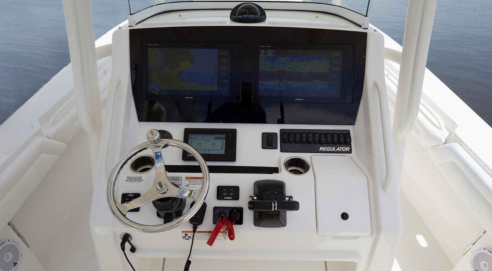 31-regulator-center-console-boat-garmin-electronics-edson - 31 REGULATOR For Sale
