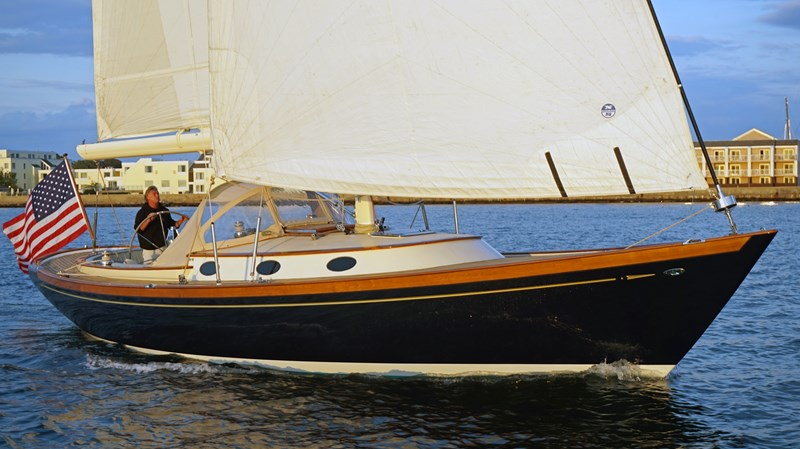 Starboard Bow Sailing 2004 Friendship Yachts   Sloop 2690153