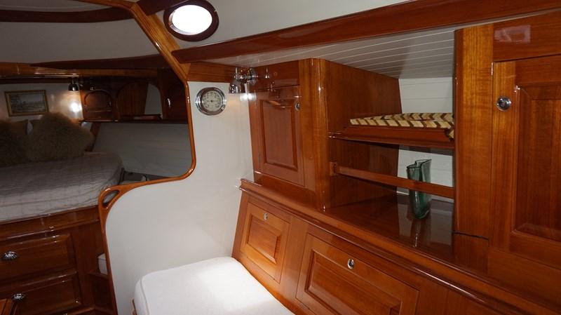 Starboard Settee 2004 Friendship Yachts   Sloop 2690155
