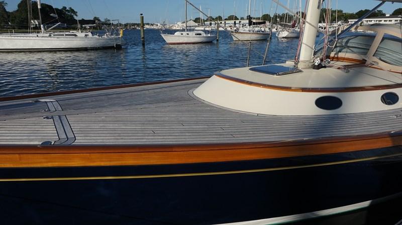 Deck Detail 2004 Friendship Yachts   Sloop 2690161