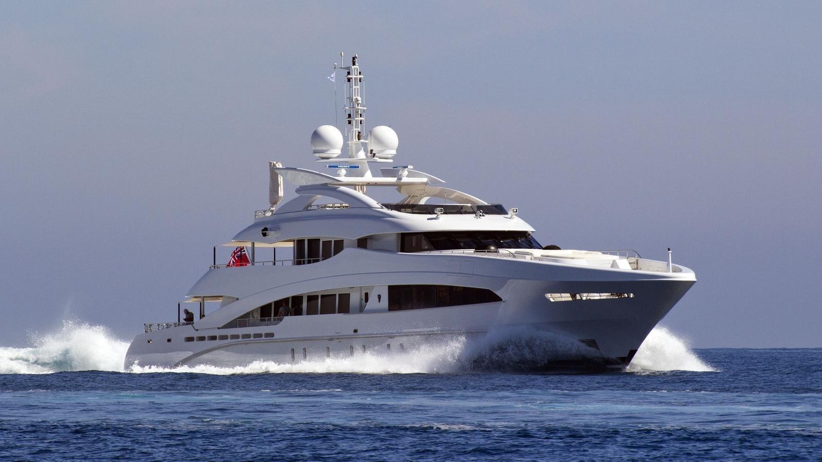 HAYKEN hero shot 2014 HEESEN YACHTS 5000 Aluminium  Motor Yacht 2691205