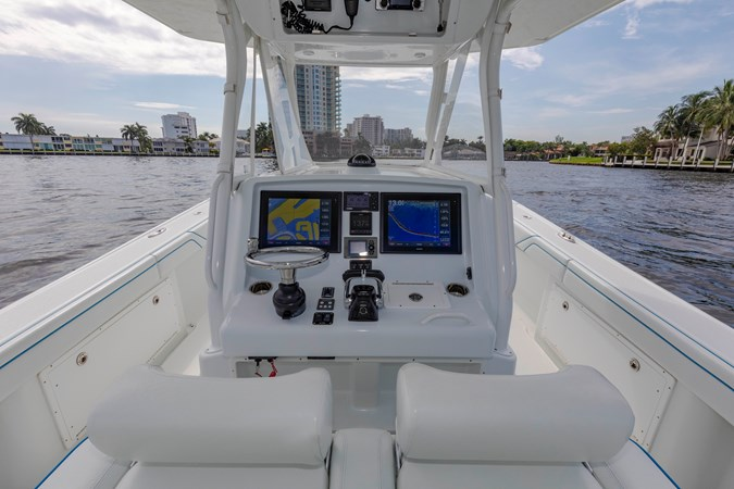 DKYP8132 2015 YELLOWFIN  Center Console 2688869