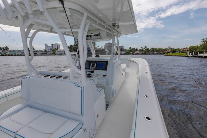 DKYP8139 2015 YELLOWFIN  Center Console 2688876