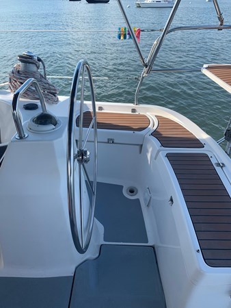 7166078_20190731141004028_1_XLARGE 2007 HUNTER  Cruising Sailboat 2689259