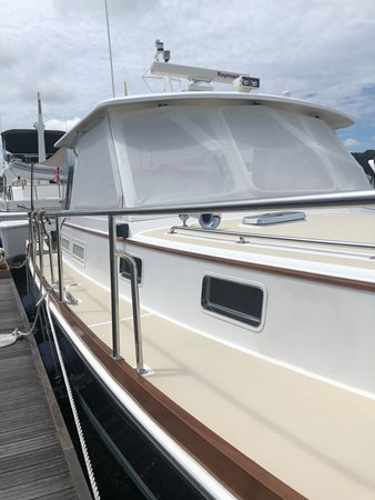 Walk Through 2002 GRAND BANKS Eastbay 38 HX Cruiser 2689386