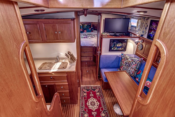 Galley 2002 GRAND BANKS Eastbay 38 HX Cruiser 2697498