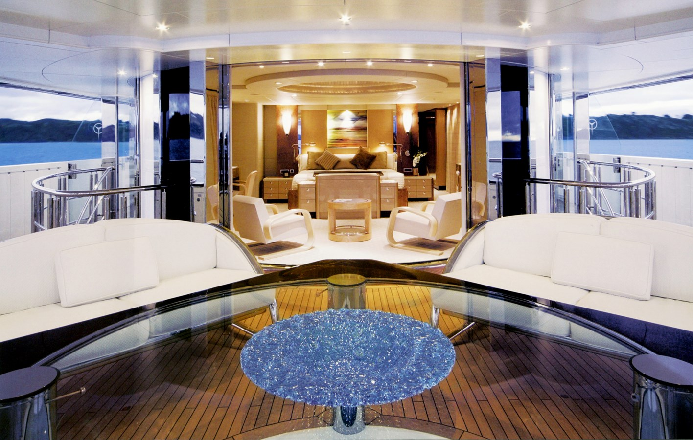 2004 OCEANFAST  Motor Yacht 2689617