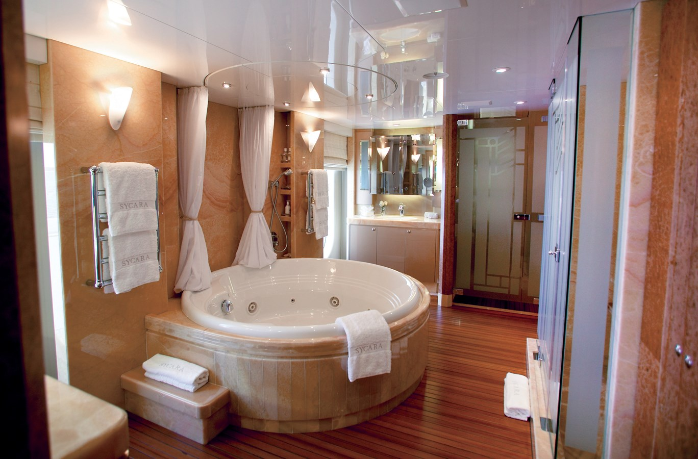 2004 OCEANFAST  Motor Yacht 2689618