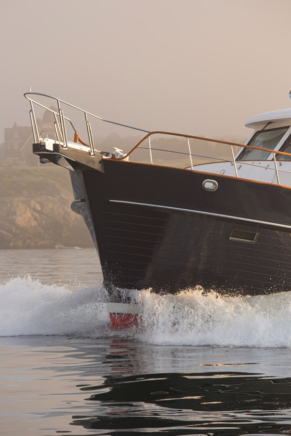 Bow 2006 GRAND BANKS 59 Aleutian RP Motor Yacht 2690070
