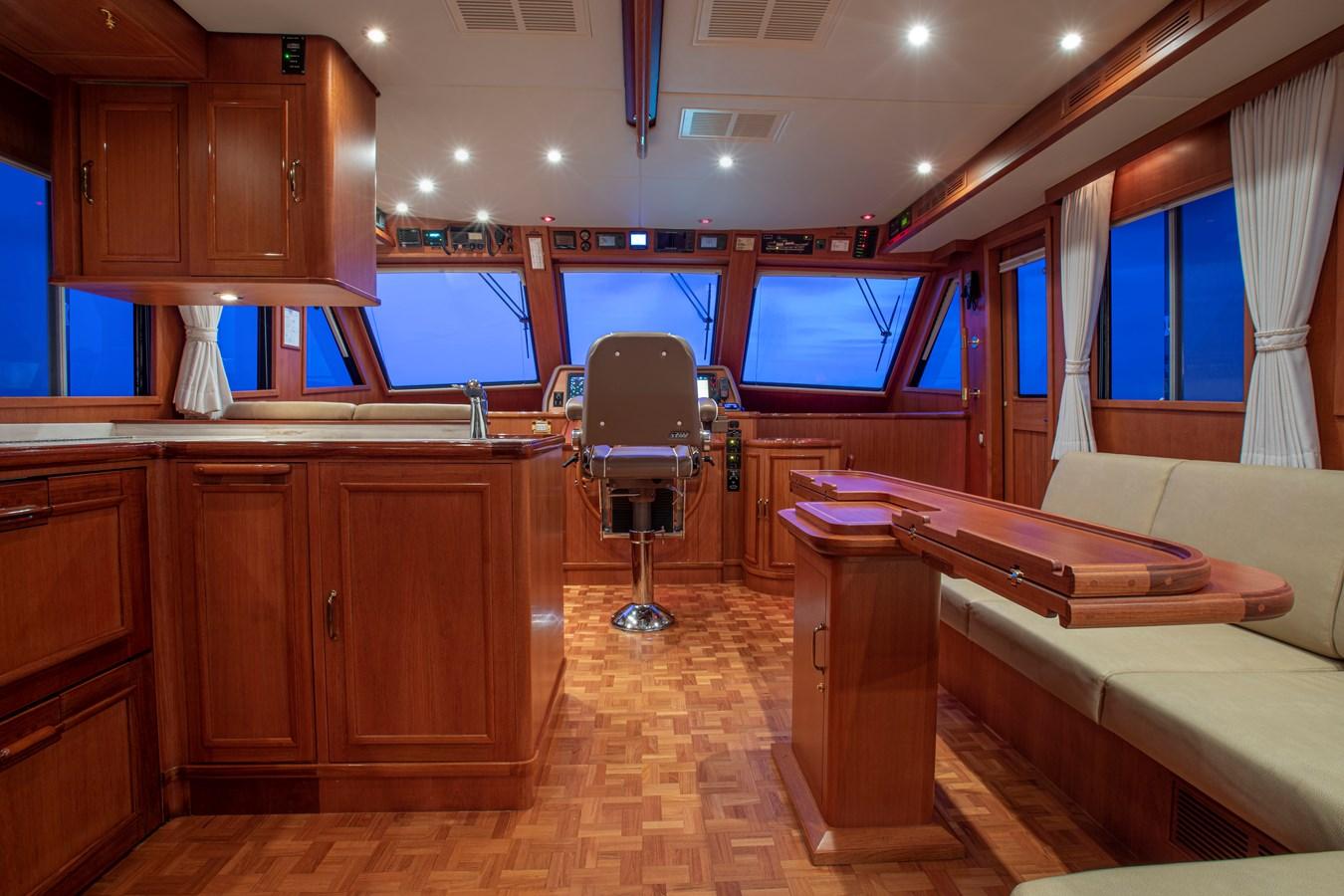 Pilothouse Dining Settee 2006 GRAND BANKS 59 Aleutian RP Motor Yacht 2690090