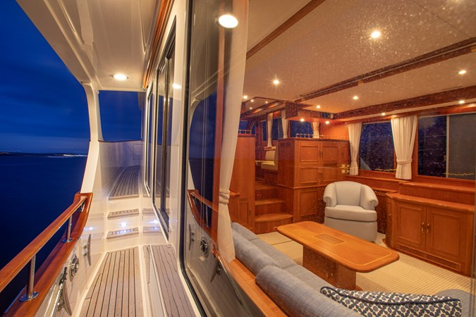 Side Deck 2006 GRAND BANKS 59 Aleutian RP Motor Yacht 2690138