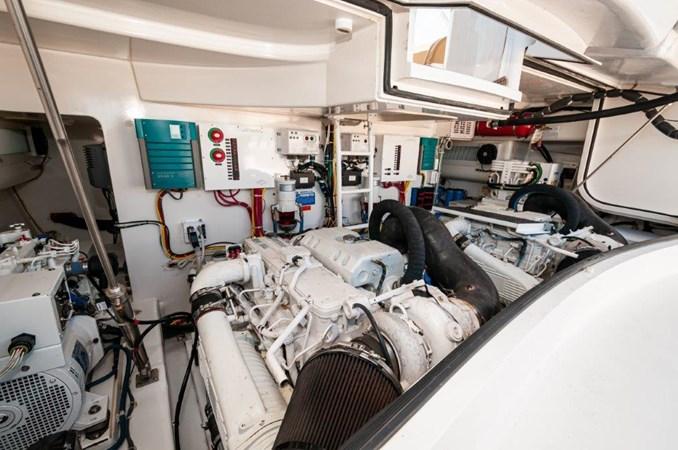 Misa Viking 2013  Engine Compartment 2013 VIKING 42 open Sport Fisherman 2691497