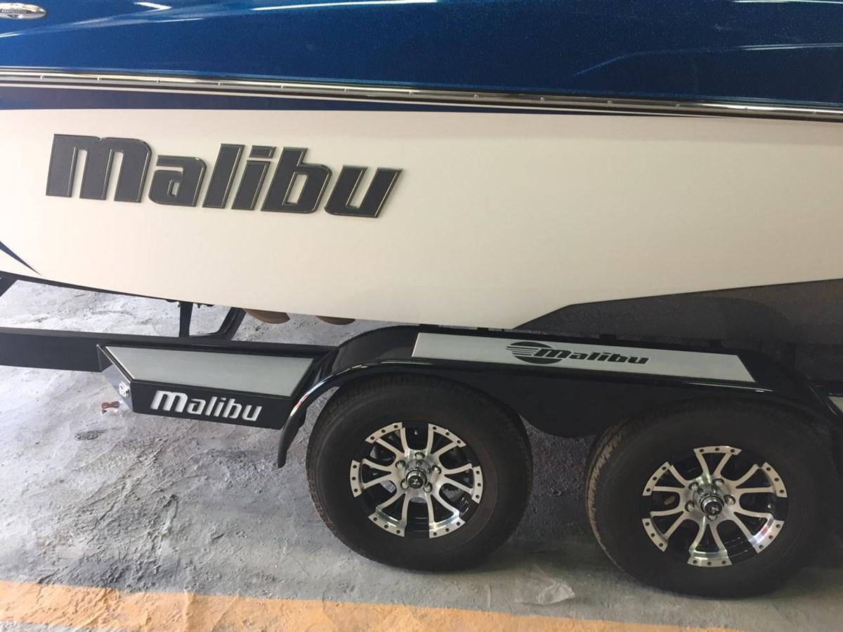 10 2017 MALIBU WAKESETTER 22 VLX Runabout 2691541